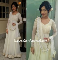 While promoting her upcoming movie Satyagraha, Amrita opted for Kanika Kedia again, this time in a white floor-length anarkali. The addition of the flower was nice but wish she had given us a stronger lip to make the look stand out.