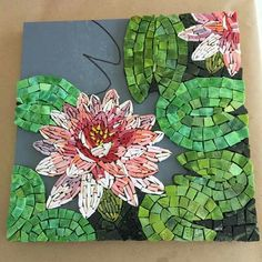 Mosaic Oasis Stained Glass Paint, Stained Glass Patterns, Mosaic Patterns, Mosaic Garden Art, Mosaic Flower Pots, Mosaic Artwork, Glass Artwork, Mosaic Crafts, Mosaic Projects