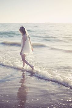 Hoje, prefiro viver um dia de cada vez. Gosto de dar o passo do tamanho da perna. Fico confortável dentro daquilo que já me cabe.     Baskby maryfairie