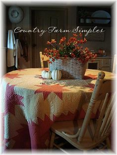 Fall Quilt...on the table.  Country Farm  Simples.