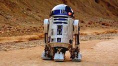 """Alguém pagou R$ 9 milhões por R2-D2 dos primeiros """"Star Wars"""" - 03/07/2017 - UOL Jogos"""