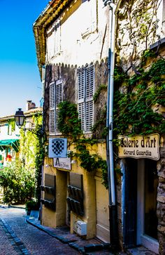 The streets of Provence......   ᘡղbᘠ
