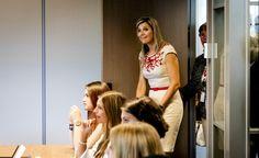 Beau Monde | Koningin Máxima zit weer even in de schoolbanken