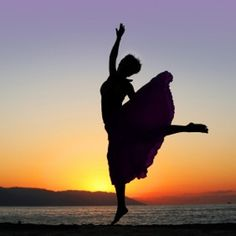 Dance to the music of what moves you! http://affiliatedwomen.net/2014/03/dose-of-daily-inspiration-the-things-that-move-us/