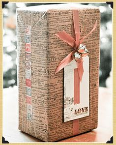 ✂ That's a Wrap ✂ diy ideas for gift packaging and wrapped presents - Wrapping Gift, Gift Wraping, Creative Gift Wrapping, Christmas Gift Wrapping, Creative Gifts, Cool Gifts, Diy Gifts, Handmade Gifts, Wrapping Ideas