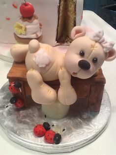 *SORRY, no information as to product used ~ Teddy cake topper