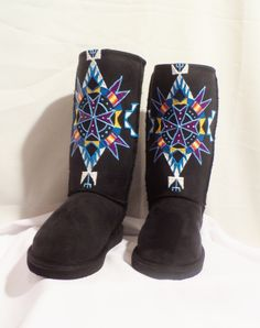 size 8 REZ HOOFZ ,Native American,Lakota Handpainted bags,purses,boots and more.. $89.50, via Etsy.