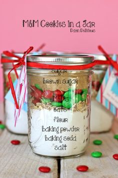 Cookies in a Jar M&M Cookies in a Jar - These easy, budget-friendly jars make for the perfect holiday gift that everyone will love!M&M Cookies in a Jar - These easy, budget-friendly jars make for the perfect holiday gift that everyone will love! Mason Jar Meals, Mason Jar Gifts, Meals In A Jar, Mason Jars, Holiday Cookies, Holiday Gifts, Holiday Desserts, Mason Jar Cookies, M M Cookies