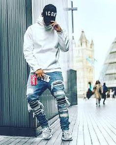 #hype #hypebeast #hypebeaststyle #dresslikeahypebeast #offwhite #yeezy #supreme #nicedress #bape #palace #gucci #louisvuitton #dress #hypedress #cooldress
