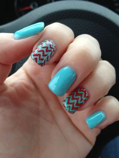 ManiQ gel nails, turquoise and red with chevrons