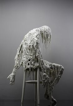 Italian Artist Sasha Vinci's Haunting and Carnal Multimedia Works Alissa White, Art Sculpture, Italian Artist, Art Plastique, Installation Art, Dark Art, Les Oeuvres, Art Inspo, Amazing Art