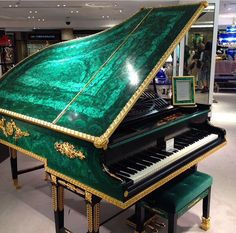Piano Art, Piano Songs, Piano Room, Piano Music, Music Aesthetic, Grand Piano, Beautiful Interiors, Slytherin, Malachite