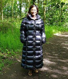 Puffer Coats, Down Puffer Coat, Down Coat, Puffer Jackets, Vinyl Clothing, Langer Mantel, Long Coats, Winter Coats Women, Sleeping Bag