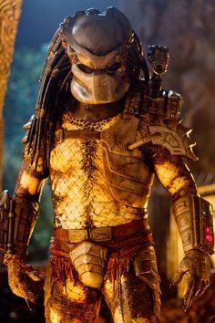 The Predator as portrayed by Kevin Peter Hall Alien Vs Predator, Predator Costume, Predator Cosplay, Predator Action Figures, Predator Movie, Predator Alien, Predator Helmet, Science Fiction, Ghost Rider