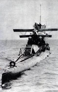 Twitter / theretronaut: 1927: Submarine aircraft carrier ...