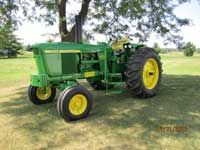 1969 John Deere 4020 side counsel a favorite in my tractor collection.