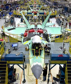 The Lockheed Martin Production Line (Photo Source: Lockheed Martin) - My Ideas & Suggestions Fighter Pilot, Fighter Aircraft, Fighter Jets, Stealth Technology, Offroad, F22 Raptor, Line Photo, Jet Engine, Top Gun