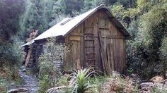Tasmania 's mountain huts -  useful imagining early buildings ???