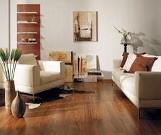 Linnea Living, dřevěná podlaha značky Kährs, dekor ořech Cocoa, 1 272 Kč/m2 (KPP)