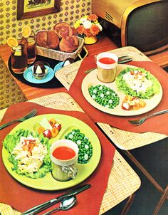 Holding a gluten-free vegetarian-vegan brunch? Here are ideas on what dishes you should serve, plus how to keep it gluten-free and vegetarian-vegan. Healthy Low Calorie Dinner, Low Calorie Dinners, Dining Etiquette, Easy Weeknight Dinners, Hot Pot, Foodblogger, Healthy Habits, Healthy Recipes, Slow Cooker Recipes
