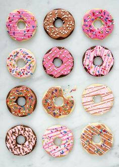 Donuts are fried sweets made with flour, white sugar, butter and eggs. Donuts are one of the favorite foods of American nationals. Donuts are more welcomin Cookies Cupcake, Fancy Cookies, Iced Cookies, Cute Cookies, Royal Icing Cookies, Decorated Sugar Cookies, Donut Cupcakes, Baking Cookies, Fondant Cookies