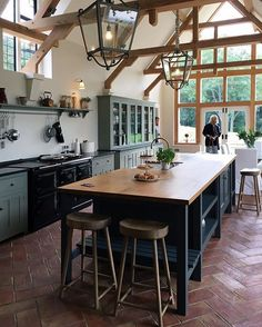 A sneaky behind the scenes shot from today's photoshoot... ahhhh we can't wait to share all of these photos with you, this Classic English kitchen is gorgeous! #deVOLKitchens #bts