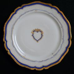 1853 White House china of First Lady Jane and President Franklin Pierce Presidential History, Presidential Trivia, First Lady Of America, White House Washington Dc, Franklin Pierce, American First Ladies, Lady Jane, American Presidents, Gold Dots