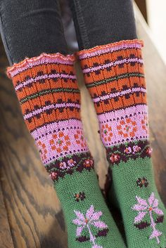 Love! Tóka Socks pattern by Lucinda Guy