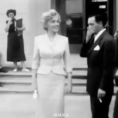 Celebrity moms 497436721342731539 - Marilyn Monroe 🌷 Source by Divas, Hollywood Stars, Classic Hollywood, Hollywood Icons, Marilyn Monroe Fotos, Marilyn Monroe Clothes, Marilyn Monroe Style, Marilyn Monroe Wedding, Young Marilyn Monroe