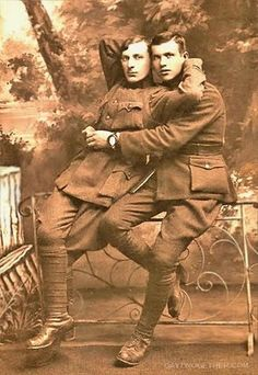 History Discover World War 1 Buddies Gay Friendship Cards Gay Greeting Cards Vintage Photo Vintage Photo Cards Gay Couple Vintage Couples Vintage Love Vintage Men Vintage Sailor Old Pictures Old Photos Vintage Pictures Foto Portrait Photo Vintage, Vintage Love, Vintage Men, Vintage Sailor, Vintage Pictures, Old Pictures, Old Photos, Gay Couple, Couples Vintage