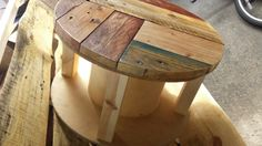 Cable reel side table with pallet mosaic top