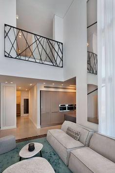 Sobre o parapeito Bellucci - Balkon geländer - Loft Railing, Staircase Railing Design, Interior Stair Railing, Modern Stair Railing, Staircase Handrail, Balcony Railing Design, Window Grill Design, Home Stairs Design, Modern Stairs
