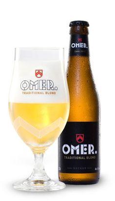 OMER. Traditional Blond is een overheerlijk bier van hoge gisting met nagisting op de fles, gebrouwen volgens een traditioneel recept. OMER. dankt zijn fijn, fruitig aroma en subtiele bitterheid aan de nauwkeurig uitgekozen grondstoffen, zoals de beste gerstemout uit de Loirestreek en drie aromatische hopsoorten. Naast zijn volle smaak en licht bittere afdronk valt OMER. vooral op door zijn goudgele kleur en zijn alcoholpercentage van 8%. Drink OMER. zo vers mogelijk. Bewaar de flessen in…