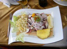 Ceviche is een rauwe visschotel die vooral populair is in de Spaanstalige landen van Latijns-Amerika. Deherkomst van de'ceviche' is niet helemaalzeker, maarwat wel bekend is isdat het gerechtteruggaat tot deMoche beschaving die van0 tot 750 na Chr. in het noorden van Perubestond(pre-Inca beschaving).Ceviche is een heerlijk, fris engezondgerecht enis hét symbool van dePeruaanse keuken. Voor …