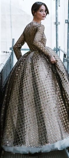 Giambattista Valli v Vogue, Metallic Dress, Couture Collection, Beautiful Gowns, Editorial Fashion, Evening Gowns, Marie, High Fashion, Ball Gowns