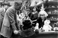 William Desmond Taylor directing the silent film Top of New York (1921), several months before his death