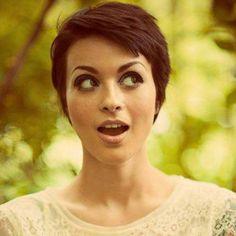 Lebhafte Kurzhaarfrisuren für dunkle Haare, die Dich strahlen lassen! - Neue Frisur