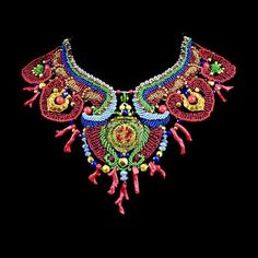 A necklace reminiscent of jeweled collars worn by Egyptian princesses is intricately structured with hand-dyed nylon fibers and beads  (from Chele Belle's Lair)