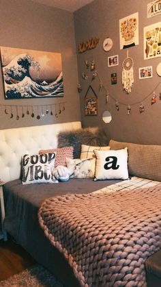 bedroom decor ideas for women / bedroom decor . bedroom decor for couples . bedroom decor for small rooms . bedroom decor ideas for women . bedroom decor ideas for couples Cute Room Ideas, Cute Room Decor, Small Room Decor, Small Bedroom Decor On A Budget, Room Lights Decor, Room Wall Decor, Room Ideas Bedroom, Small Room Bedroom, Master Bedroom