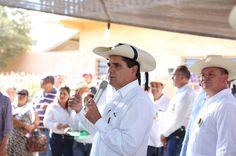 En la localidad de Vicente Rivapalacio, del municipio de San Lucas, el gobernador anunció que ahí se contará con Comité Ciudadano para el Desarrollo Integral; además, inaugura y pone en ...