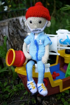 www.facebook.com/Noonchi.Cafts My complete Steve Zissou (Bill Murray) amigurumi doll from Wes Anderson's The Life Aquatic with Steve Zissou.  Pattern adapted from Allison Hoffman's (www.Craftyiscool.com) Conan O'Brian. #amigurumi