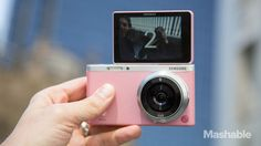 Samsung may have created the best solution to the selfie problem in the NX Mini, a mirrorless camera that's not much heavier than a smartphone. Cool Technology, Technology Gadgets, Mobiles, Selfies, Girly Things, Good Things, Girly Stuff, Leather Notepad, Samsung Camera