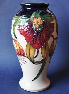 Moorcroft Pottery Anna Lily 46/10 Nicola Slaney Open Edition http://www.bwthornton.co.uk/moorcroft.php