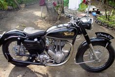 Thanks to Wayan Attok for this picture of a 1956 Norton Model Norton Bike, Norton Motorcycle, British Motorcycles, Vintage Motorcycles, Classic Bikes, Classic Cars, Classic Motorcycle, Norton Commando, Vintage Bikes