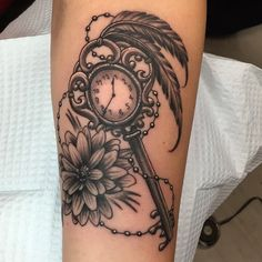 #tattoo #winnipegtattoo #clock #inkingthorne #keys #flower #getinkedwinnipeg