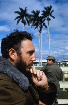 Fidel Castro by Elliott Erwitt, color. Los Angeles City College, Elliott Erwitt Photography, Global Thinking, Our Man In Havana, Viva Cuba, Che Guevara, Documentary Photographers, The New School, World Leaders