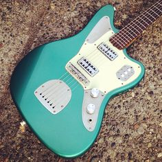 custom/modded Jaguar | via Mike & Mike's Guitar Bar