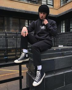 ideas for style street casual men streetwear Black Converse Outfits, Converse Style, Dope Fashion, Trendy Fashion, Mens Fashion, Style Fashion, Fashion Outfits, Street Casual Men, Men Casual