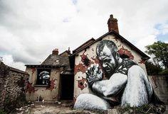 Increible efecto el de este graffiti hecho en una casa abandonada en Escocia