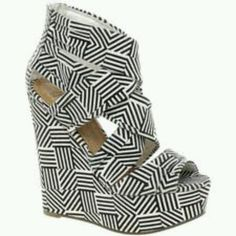 A printed shoe to wear with a solid outfit! Looove these wedges.